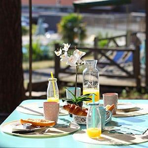 Agence Photo : Petit déjeuner chez Campéole