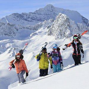 Photo d'illustration d'un groupe de skieurs aux Arcs