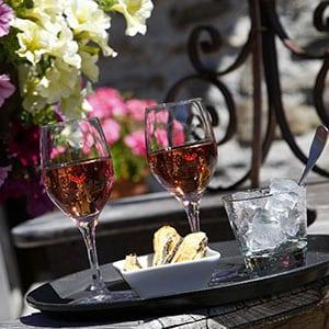 Agence Photo : Image de verres dans un restaurant