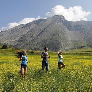 Agence Photo : Tourisme courir dans les champs
