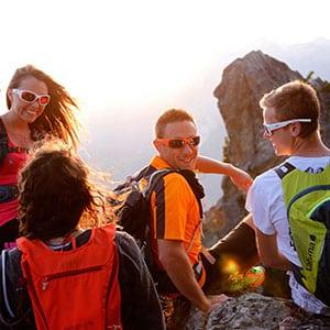 Agence Photo : Tourisme Randonnée Groupe Soleil - Photos avec Figurants