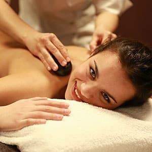 Agence Photo : Illustration Massage Femme Sourire - Photos avec Figurants