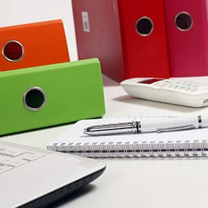 Agence Photo : Packshot Stylo, bureau, classeur PC