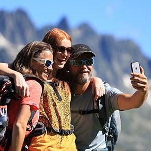 Agence Photo : Illustration Randonnée Selfie - Photos avec Figurants