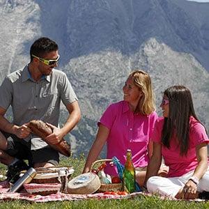 Agence Photo : Pique-nique Montagne Famille