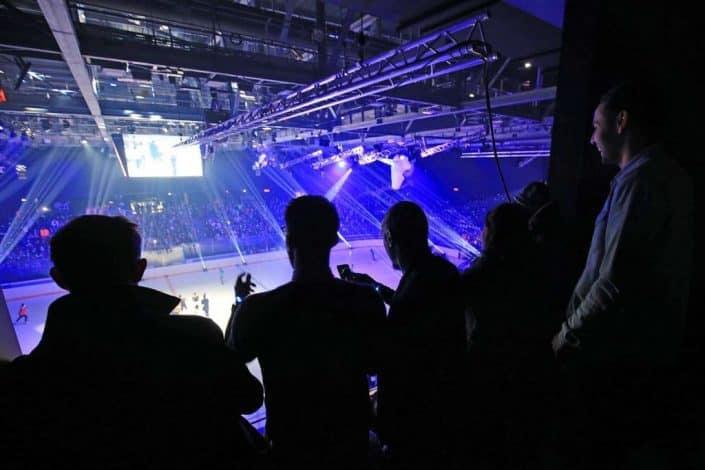 Public VIP lors de l'inauguration de l'Aren Ice